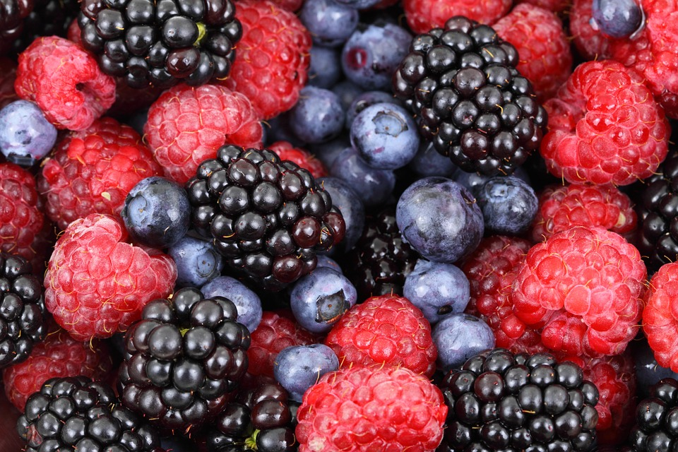 Berries help reduce inflammation in the body