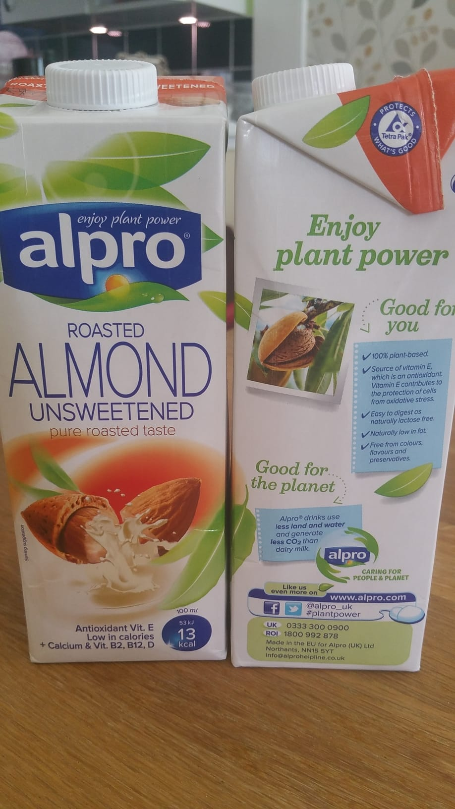 almond milk free from carrageenan and thickening agents like guar gum