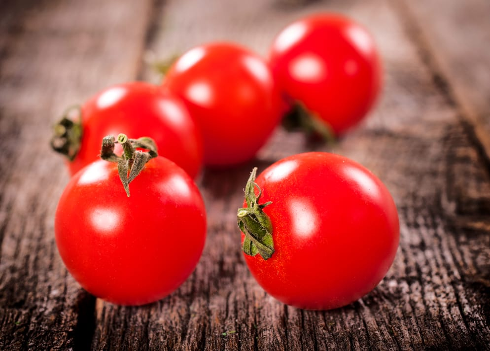 tomatoes contain lycopene for healthy skin